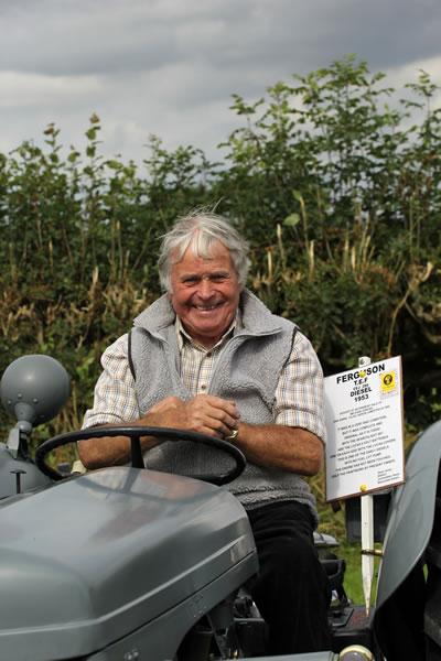 Sioe Llandysul 2017 - tractor smile